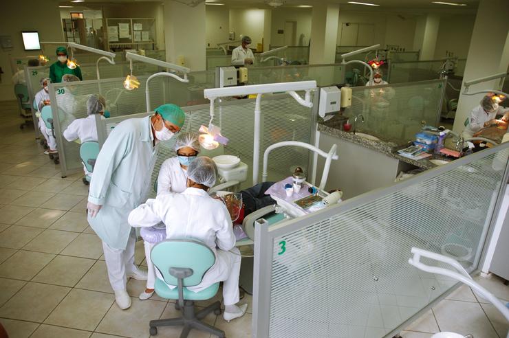 Odontologia é apontada como a segunda carreira mais rentável do Brasil