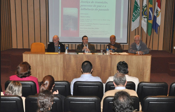 Palestrante internacional fala sobre a Colômbia para curso de Direito do UNIFESO