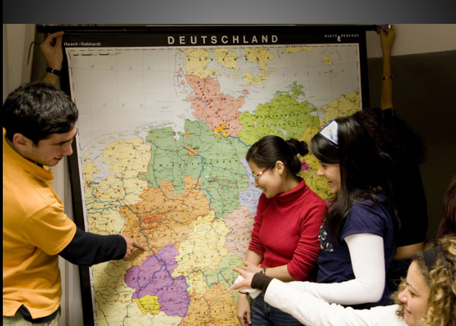 Evento abre portas para brasileiros que desejam cursar ensino superior na Europa