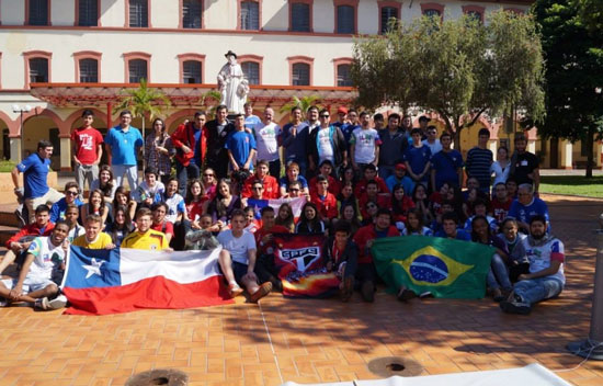Jovens Chilenos na Unisal