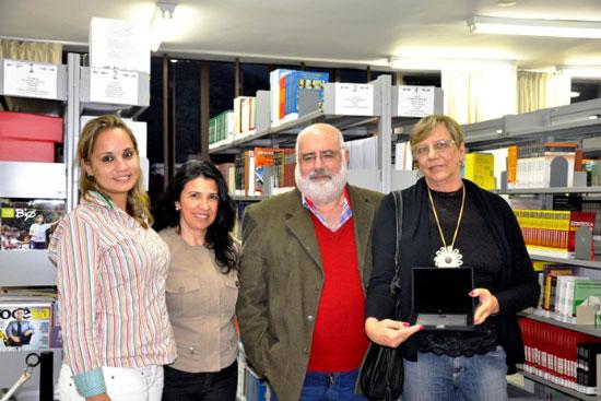 Professores Verônica Albuquerque, Elaine Paiva, José Feres e a senhora Rebeca Rechtschaffen