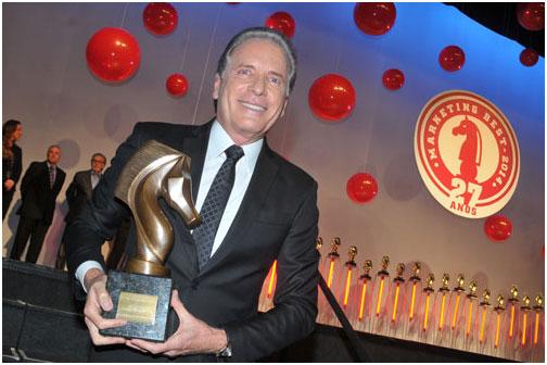 Vencedores da 27°edição do Prêmio Marketing Best recebem troféus em grande festa