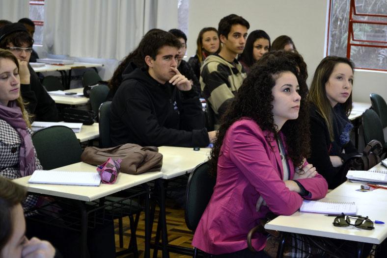 Inscrições abertas para ensino técnico gratuito no Colégio Unesc